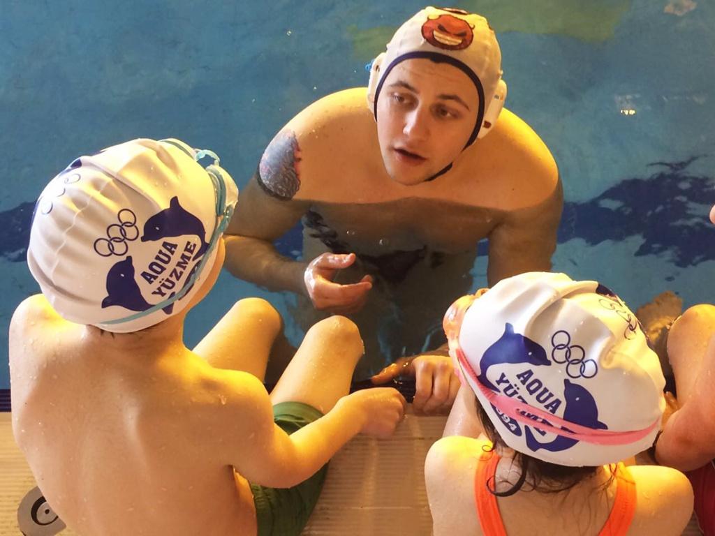 Çocuklar için Yüzme Kursları